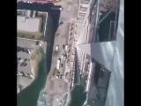 Бассейн с прозрачным дном на высоте 150 метров от земли