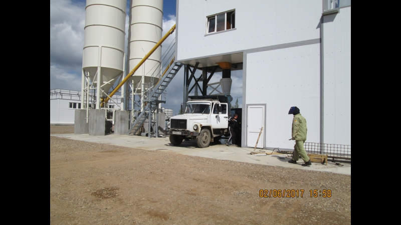 Видео от наших Заказчиков: Бетонный завод MEKAMIX-60 COMPACT выгрузка бетона в самосвал