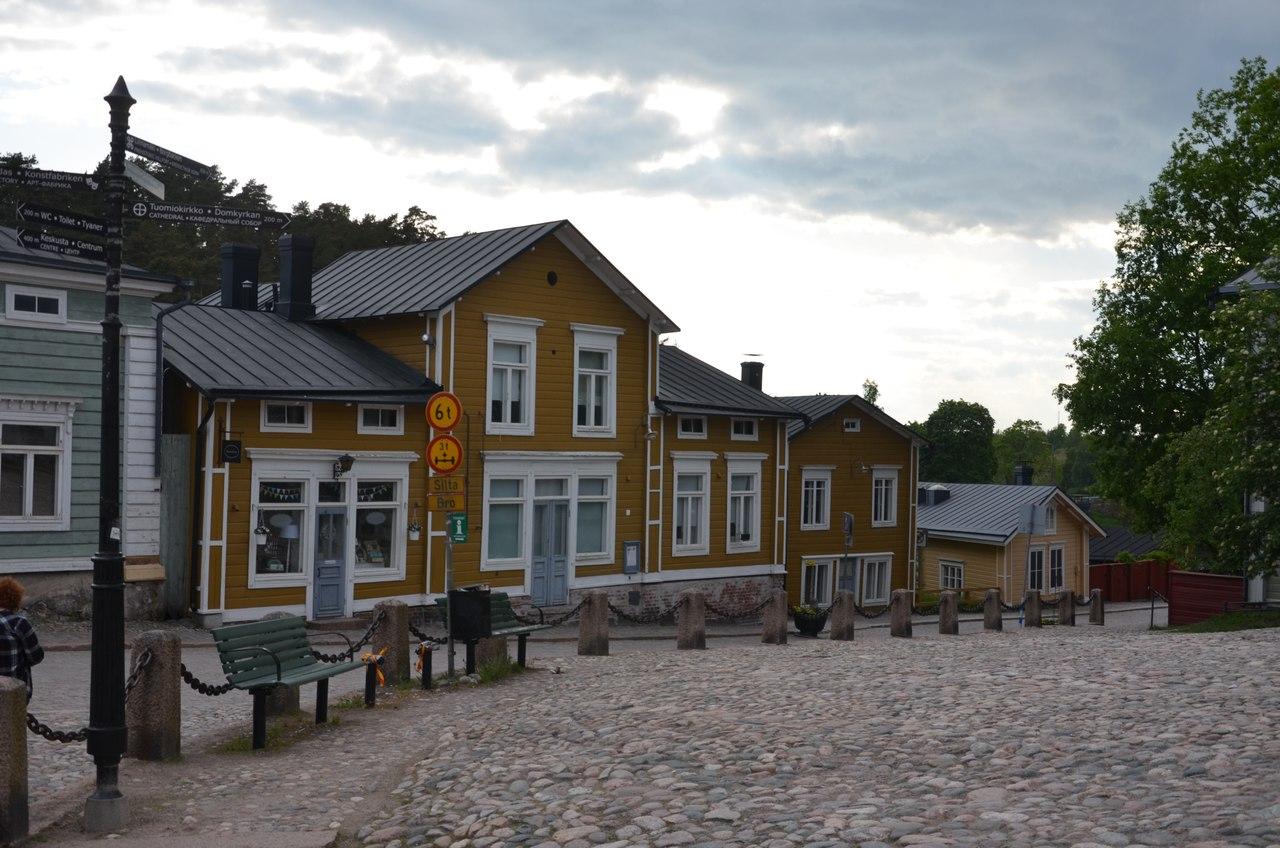 ZsC8PRv7THg Порвоо - самый красивый средневековый город Финляндии.