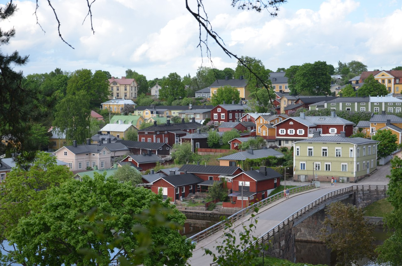ytEUFDIYCuk Порвоо - самый красивый средневековый город Финляндии.
