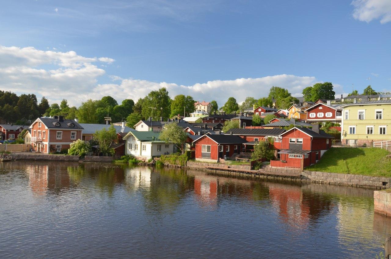 veCMuJZFbQQ Порвоо - самый красивый средневековый город Финляндии.
