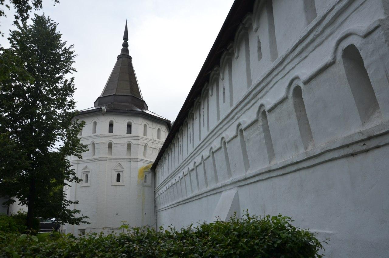 hVAHEoLaShQ Данилов монастырь первый монастырь Москвы.