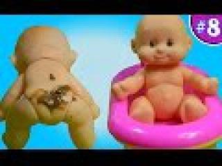 Пупс какает на горшок. Купается в ванной. Делаем... укол Игрушки для детей