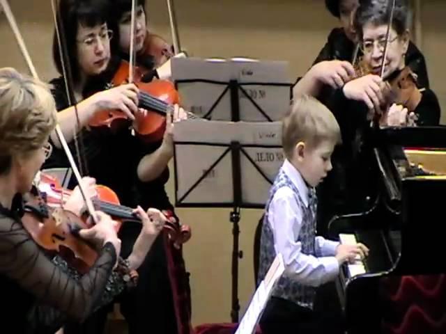 Зуев Юра(6 лет)-Концерт Берковича для ф-п с оркестром
