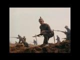 На Западном фронте без перемен (1979). Рукопашка немцев с французами в траншее, контратака немцев