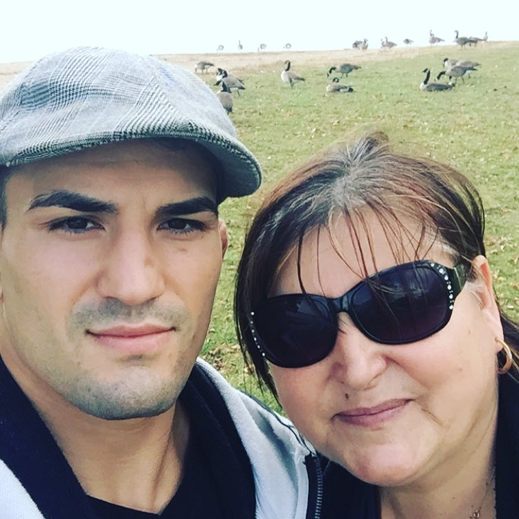 Мирсад Бектич со своей мамой