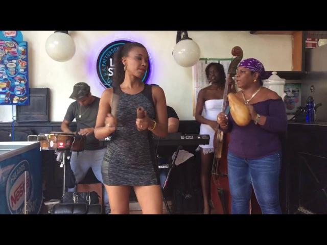 El Cuarto de Tula - Los 5 del Son en Bar La Dichosa (Habana, Cuba)