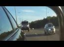 Дакаровский КАМАЗ на скорости в 180км/ч обгоняет иномарку на трассе!
