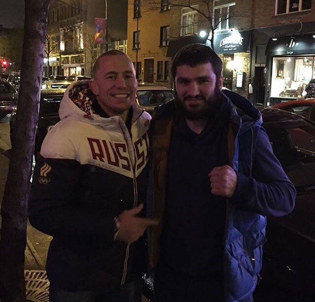 Джордж Сент-Пьер и российский боксёр Артур  Бетербиев