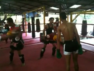 Santai Muay Thai- Former Champion Phon Nalukpai training Tim. Chiang Mai, Thailand
