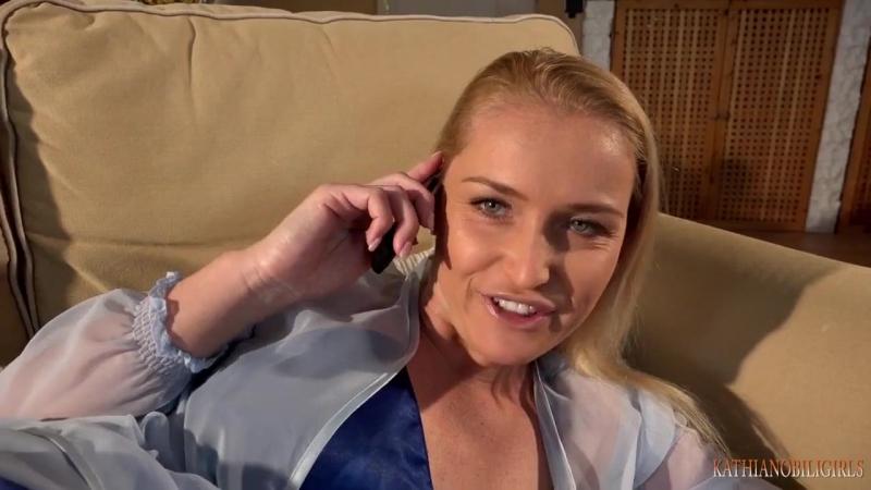 Старого ебет пока жена говорит по телефону девушки воронеже порно