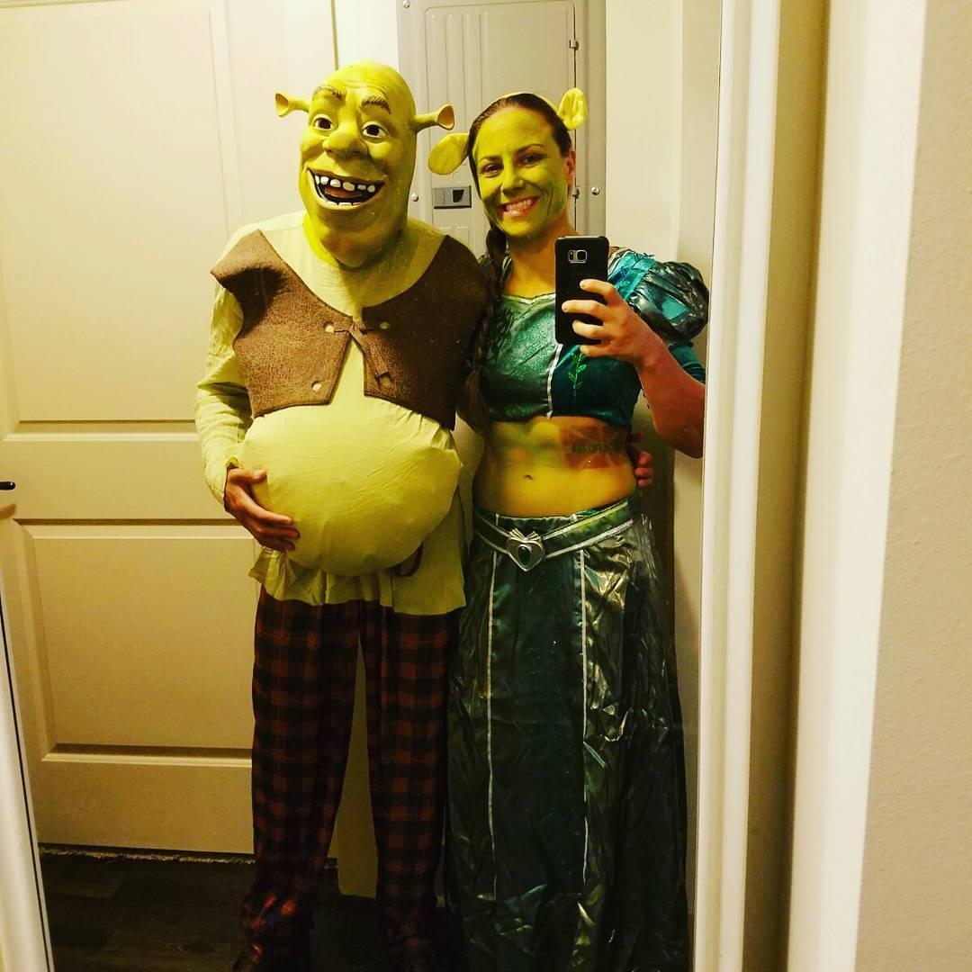 Аманда Нуньес и Нина Ансарофф на Хеллоуин