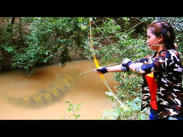 Amazing Girl Uses Steel Compound BowFishing To Shoot Fish