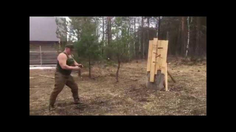 Максим Новоселов - метание ножей