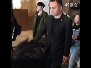 [LQ FANCAM] 170219 in Hotel @ EXO's Lay (Zhang Yixing)