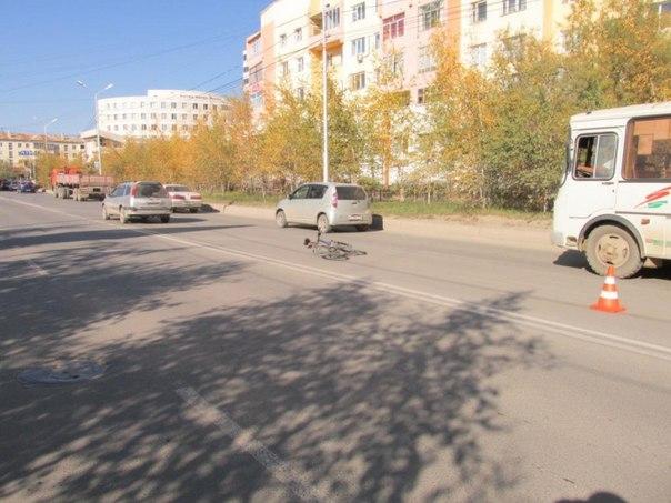 В Якутске водитель иномарки сбил велосипедиста и нанес побои