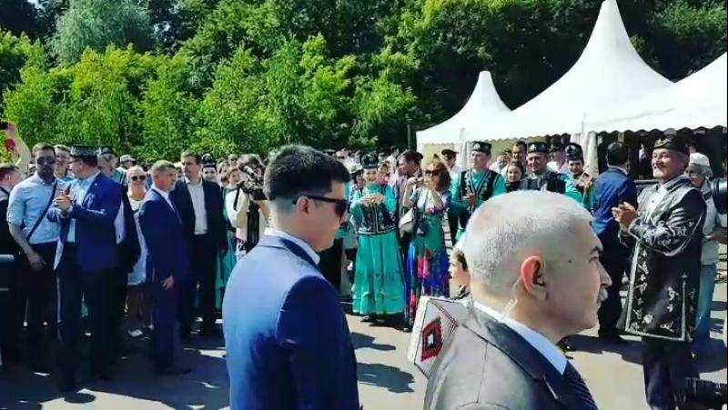 Бикбаев Умар (руководитель Кубышкин Е.В.) встречаем президента РТ Р.Н.Минниханова