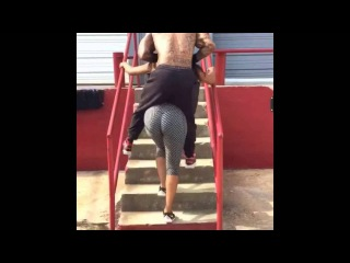 Porsha Williams is a strong black woman! Carries boyfriend(The Real DP) on her back up stairs!