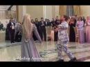 Кадыров танцует со своей дочкой