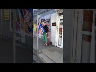 Рекламный робот увеличивает продажи. Креативная реклама собачьего корма и зоом ...