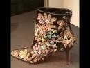 Испанский дизайнер Маноло Бланик привез в Питер коллекцию женской обуви. Мне понравилось, хотя вряд ли в повседневной нашей жи