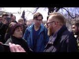 На вполне резонный вопрос пожилой жительницы Петербурга Милонову нечего было ответить и он слился.