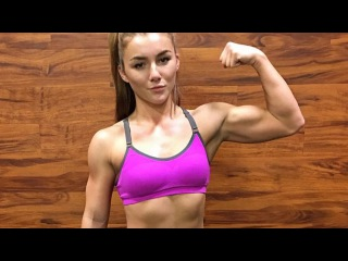 20 years old muscle girl Kryss DeSandre - New Talents of Female Bodybuilding