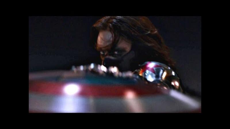 Зимний Солдат стреляет в Ника Фьюри. Капитан Америка преследует Зимнего Солдата.
