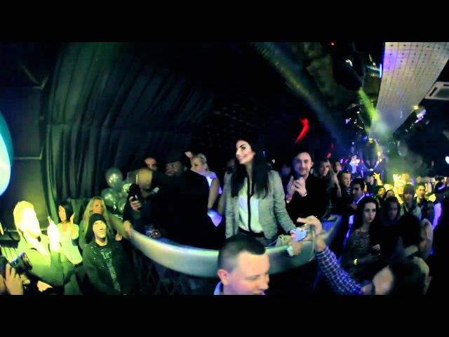 Олег Любарский снимает как BLACK EYED PEAS жгут в Клубе DUHLESS'11 St Petersburg