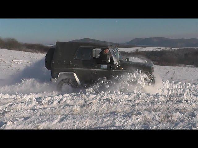 UAZ Turbo snow fun with engine sound