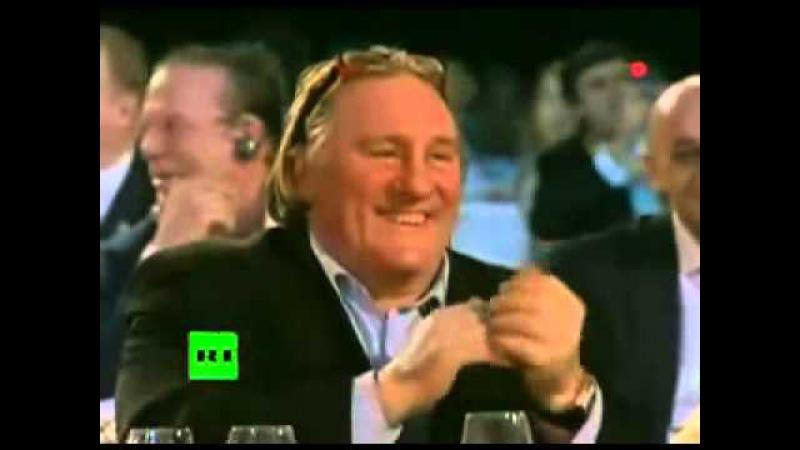 Вечерний Ургант. Путин на шоу Голос. Blueberry Hill (Louis Armstrong). Путин поет песню.