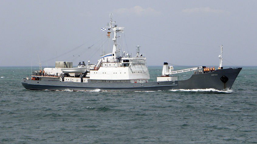 Минобороны: столкнувшийся с судном корабль ЧФ затонул