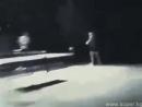 Vidmo_org_Kak_Bryus_Li_igraet_v_nastolnyjj_tennis_Super_320