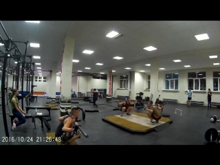 Crossfit neptun bring sally up приседания