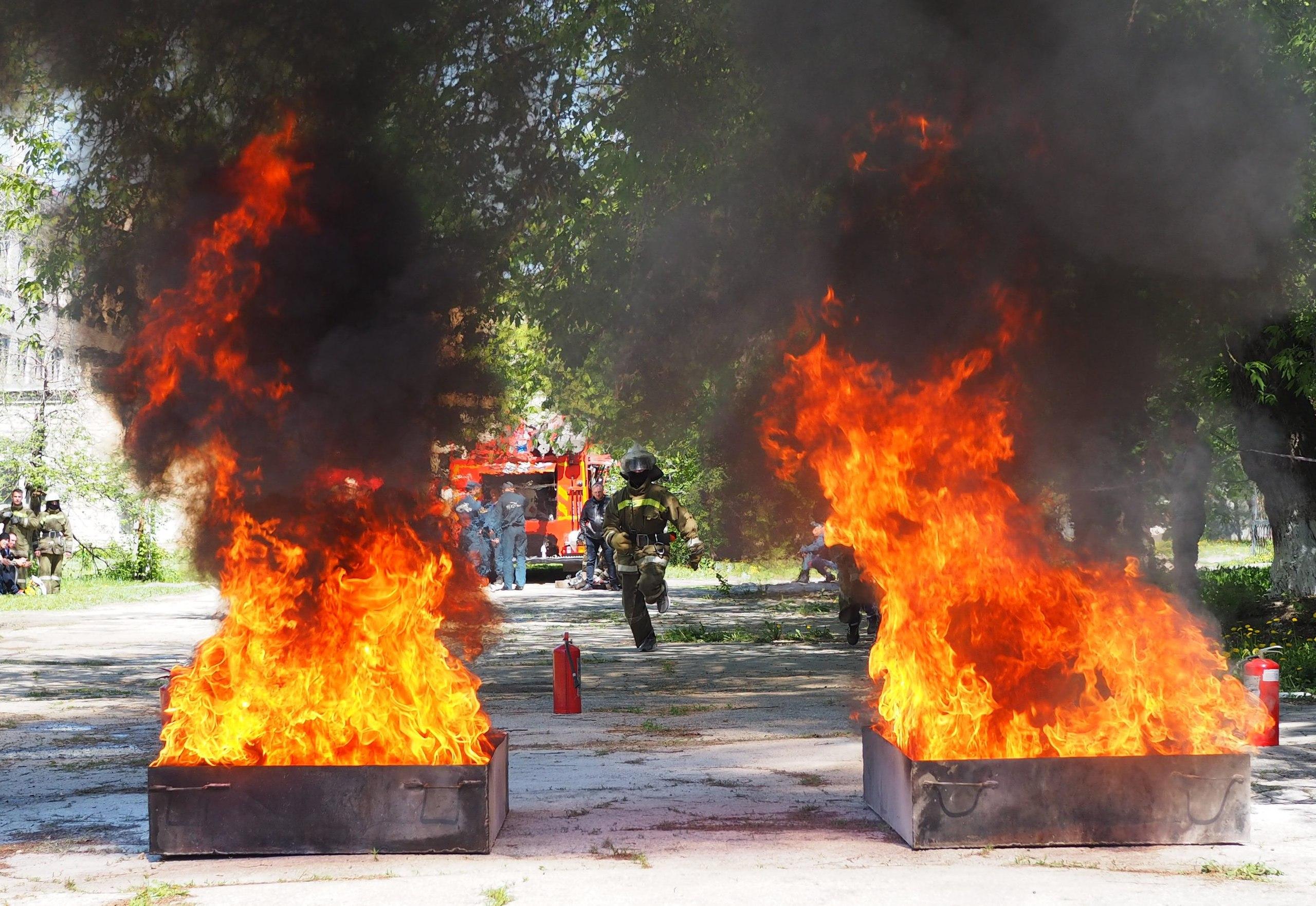 Пожарные, вперед!