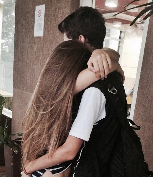 просмотра фото девушка целует парня русые волосы вам лучше кроватью