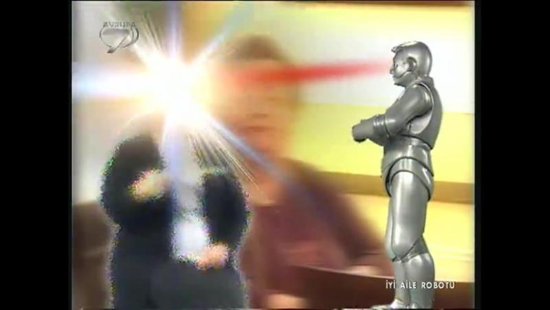İyi Aile Robotu - Jenerik 2002 - Kanal.Eski Arşiv Filmler ve Yerli Diziler