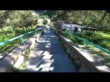 Экстремал снял видео спуска на велосипеде по ступенькам