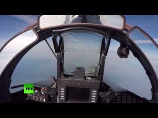 Пуск ракет класса «воздух-воздух» истребителями Су-35: вид из кабины пилота