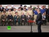 Владимир Путин вручил Тульскому суворовскому училищу знамя