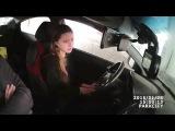 Девушка тупит в автошколе. Как выглядит знак