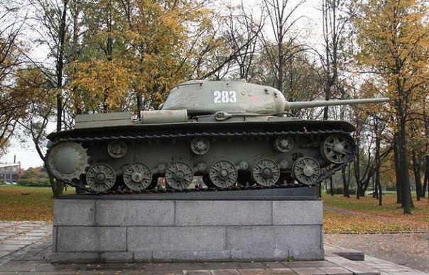 8 августа 1943 года на вооружение Красной армии был принят танк КВ-85