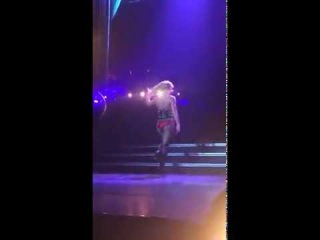 Britney Spears - Touch Of My Hair / Funny Video ( Las Vegas )