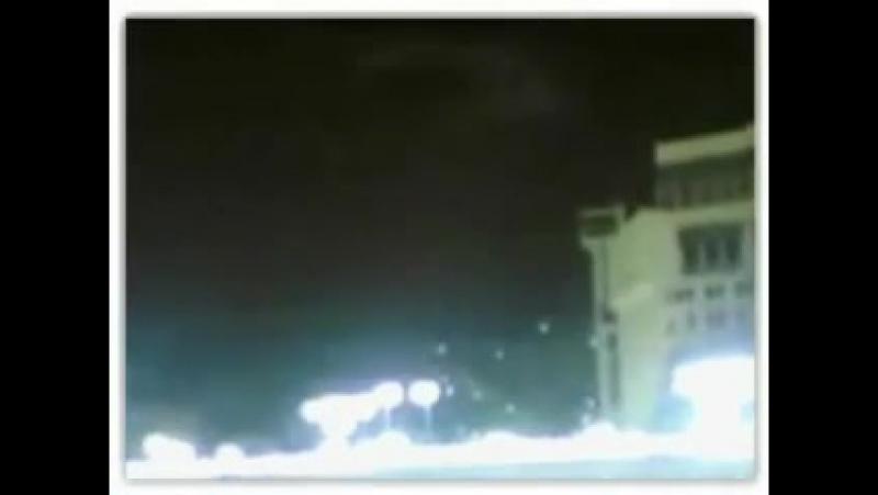 Меккеге Періште қонды МашАллах, Ангел в Мекке смотрите внимательно, періште, ангел.720.240
