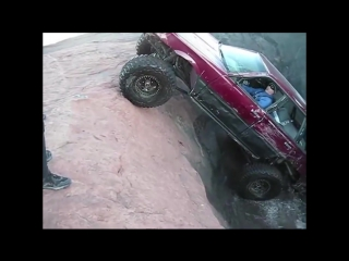 Как можно на Subaru проехать Мега яму