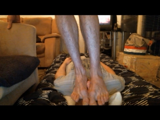 Trampling Face Bare-feet,Tall-guy 176 lbs,.Muscular Legs and Big sized Feet 13 usa