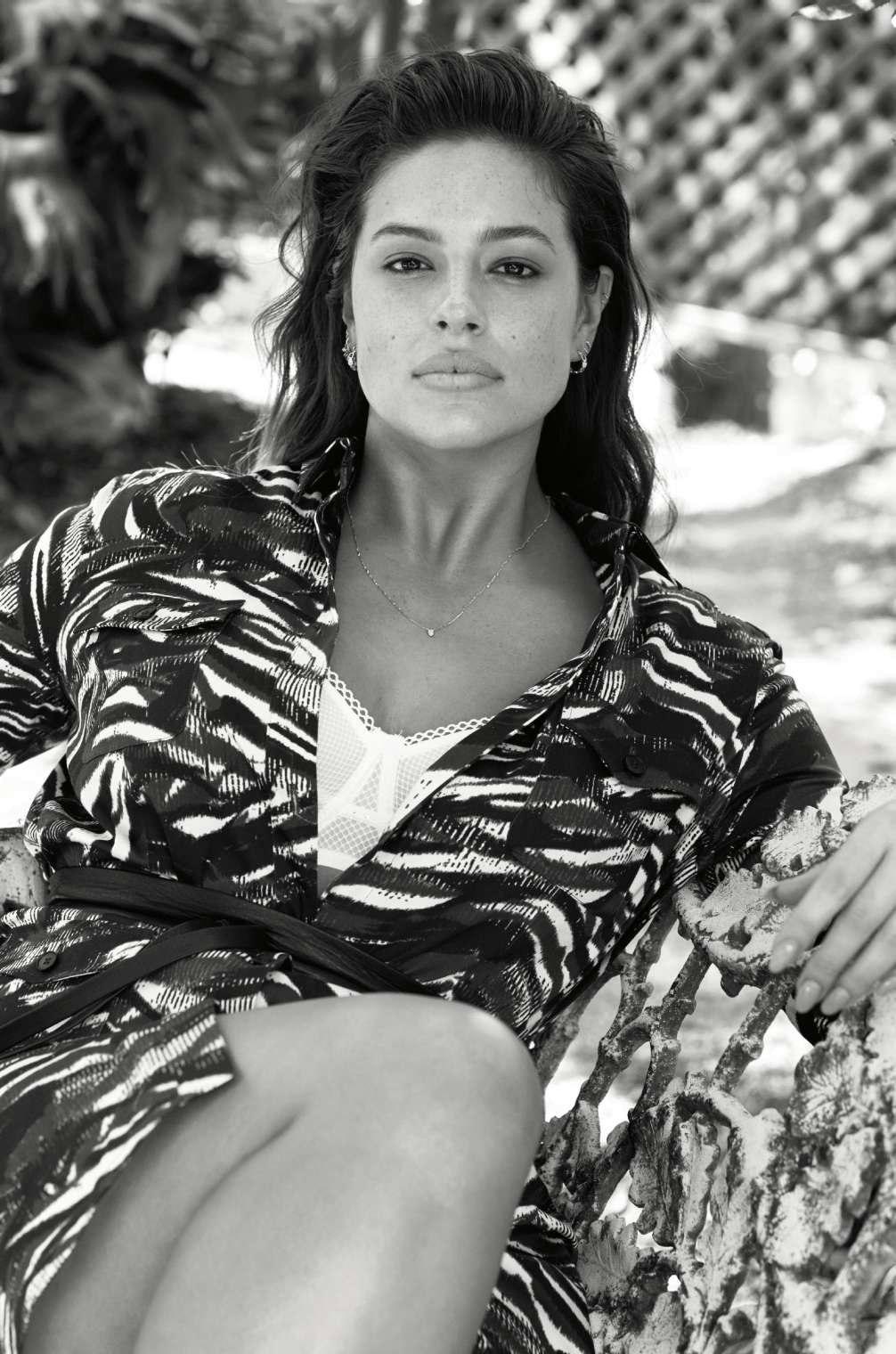 Американская модель Ashley Graham в фотосъёмке для июльского номера французского издания журнала «Elle» 2017