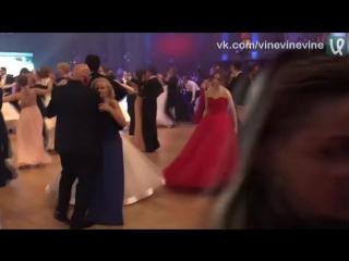 Шурыгина танцует на балу одна, никто не рискнёт на 8 лет