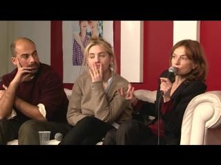 Isabelle Huppert et Lolita Chammah - Fnac Montparnasse 27/11/10 | Изабель Юппер