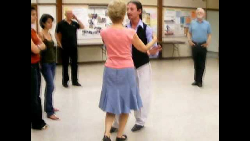 Beginner's tango class with Marcelo Solis 2010-07-21.